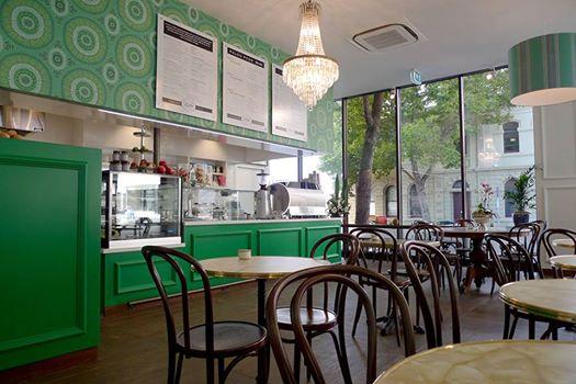 Cafe Lola